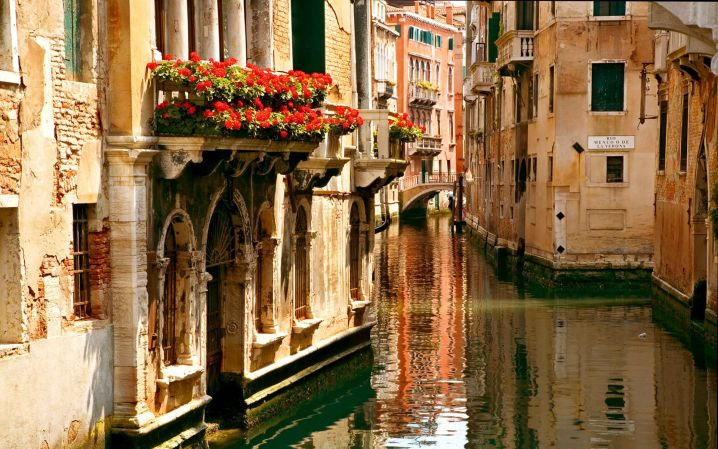 beautiful canals of Venice